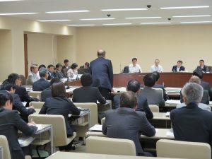 決算特別委員会始まる 秋山県議が質疑