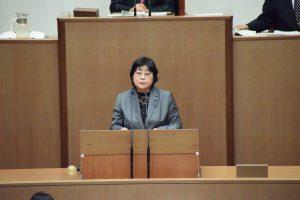 金子正江県議が意見書・決議について反対討論