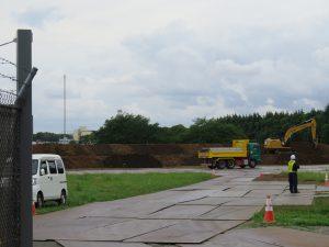 米軍所沢基地への土砂搬入=県条例は適用除外で。