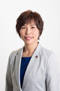 秋山もえ県議、知事提出議案に反対討論