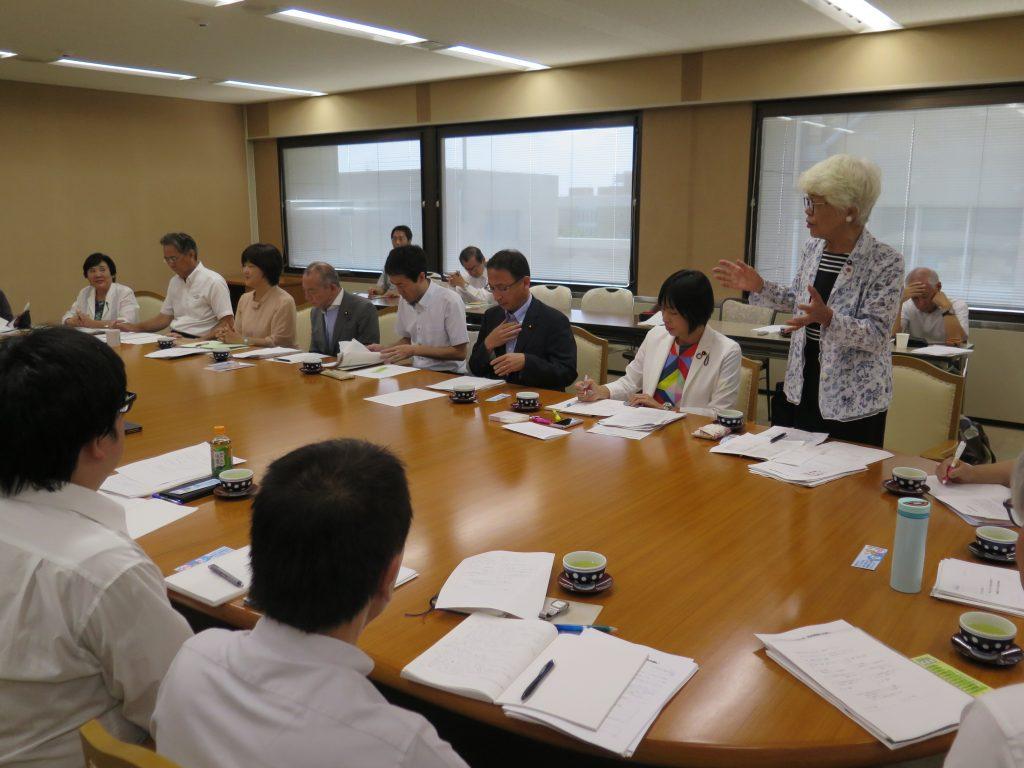 伊藤岳参議院議員、党県議団と県内団体が懇談